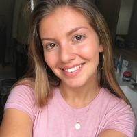 Caroline De Frias