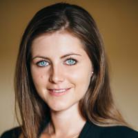 Rebecca Knäuper