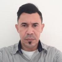 Luis F Julio P