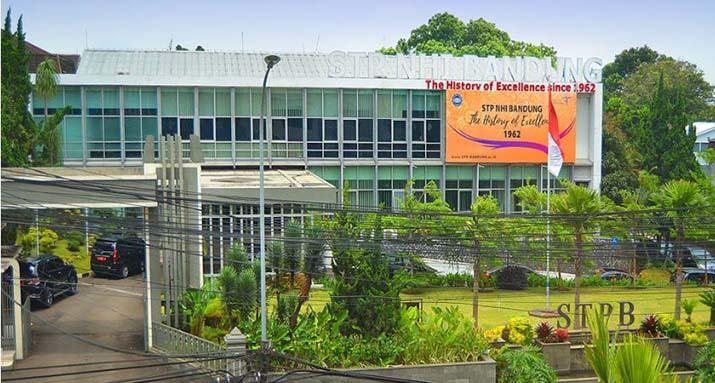 Sekolah Tinggi Pariwisata NHI Bandung